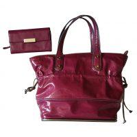 Coccinelle - Borsa con portafoglio in vernice viola